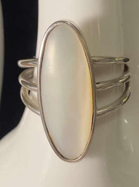 Mother of Pearl Oval Ring